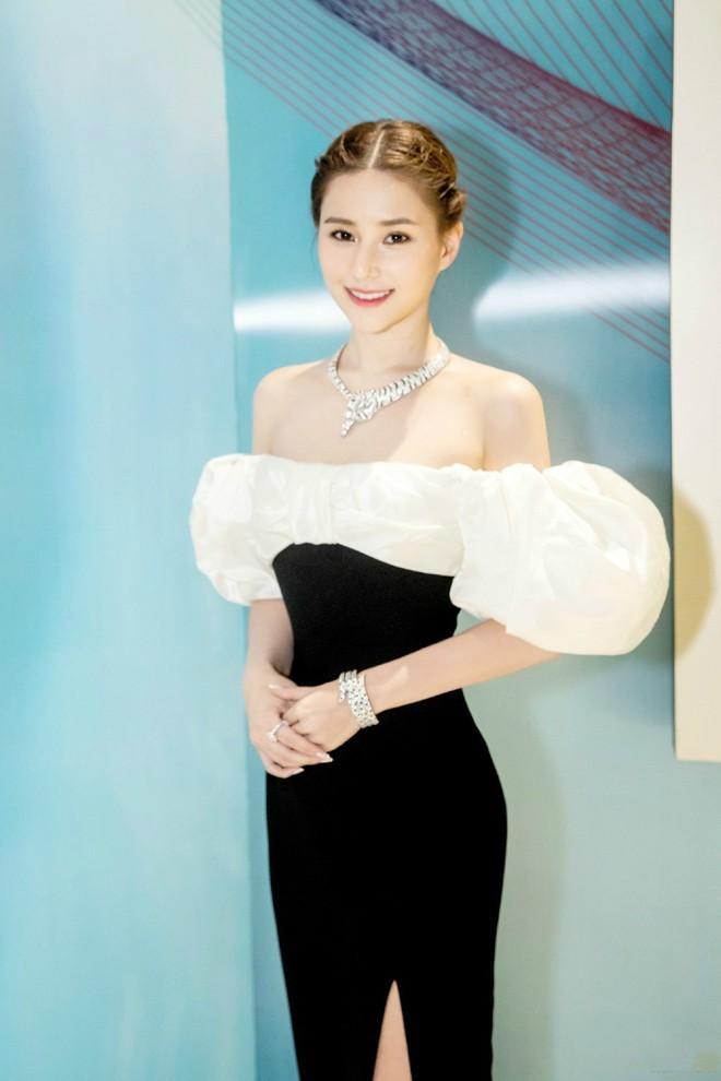 Ái nữ đẹp nhất của Vua sòng bài Macau: Sắc vóc ưu tú vạn người si mê, thuở nhỏ không biết danh tính thật sự của bố ruột - Ảnh 1.