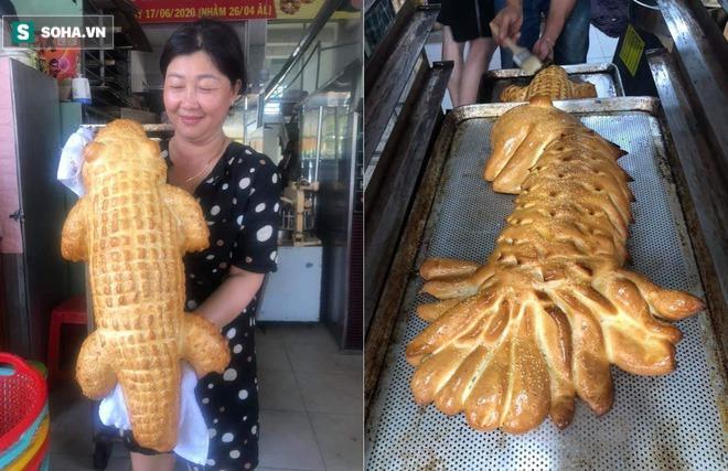 """Bánh mì cá sấu khổng lồ gây """"bão"""", ngày bán trăm chiếc  - Ảnh 2."""