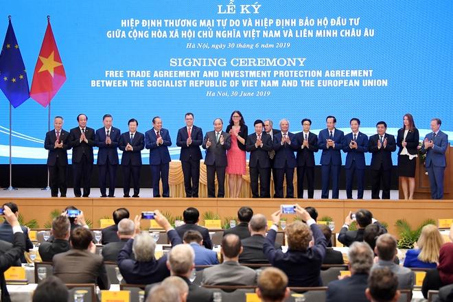Thứ trưởng Ngoại giao Bùi Thanh Sơn: EVFTA là hiệp định thương mại tự do tham vọng nhất mà EU từng ký với một nước đang phát triển - Ảnh 5.