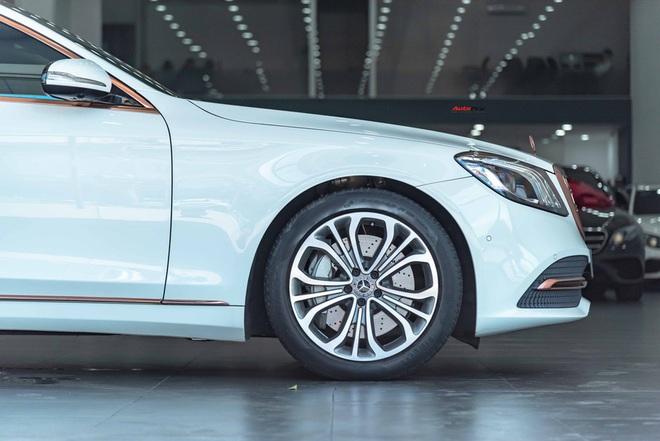 Độ cực độc, Mercedes-Benz S 450 Luxury phiên bản vàng hồng vẫn có giá bán lại rẻ hơn cả tỷ đồng dù mới chạy 12.000km - Ảnh 7.