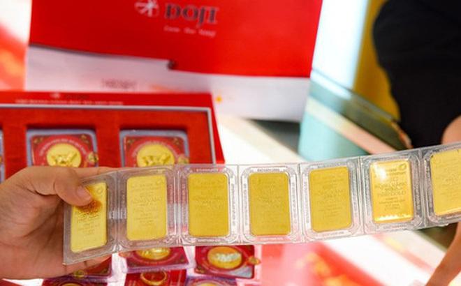 Giá vàng trong nước cao nhất lên tới 49,5 triệu đồng/lượng
