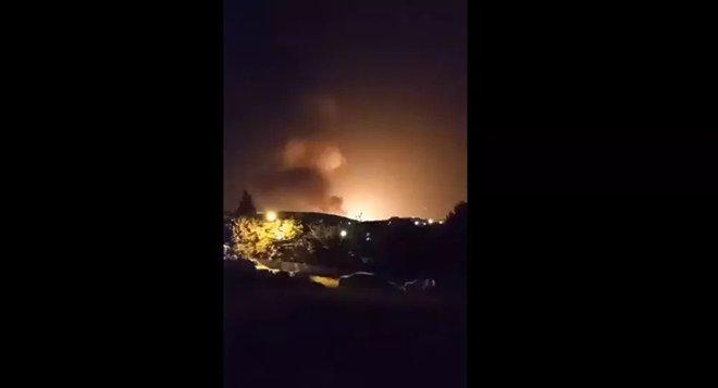 NÓNG: Nổ rất lớn ngay ngoài Thủ đô Tehran của Iran - Nghi vấn bị tấn công quân sự? - Ảnh 9.