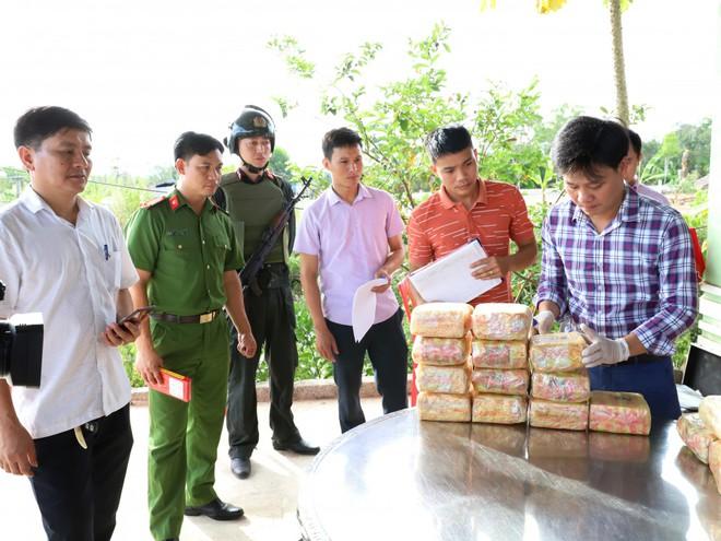Bắt ông trùm  trong vụ vứt 2 ba lô chứa đầy ma túy xuống đường - Ảnh 3.