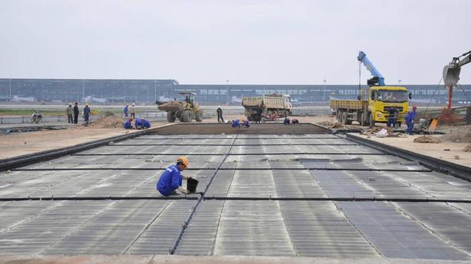 Nhà thầu nào được chọn để sửa chữa sân bay Nội Bài và Tân Sơn Nhất? - Ảnh 2.