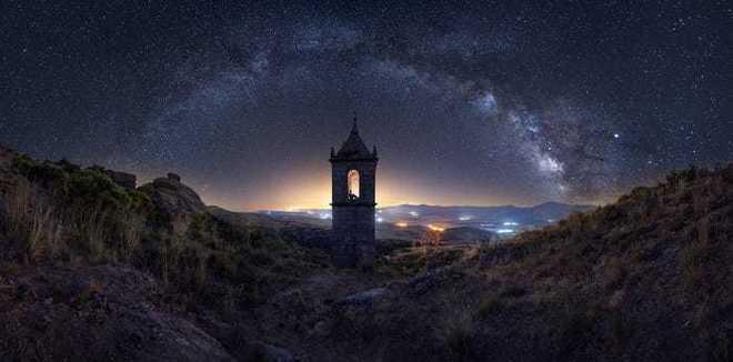 Lạc giữa Ngân Hà qua 15 bức ảnh trời đêm đẹp nghẹt thở - Ảnh 3.