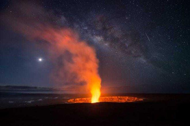 Lạc giữa Ngân Hà qua 15 bức ảnh trời đêm đẹp nghẹt thở - Ảnh 8.