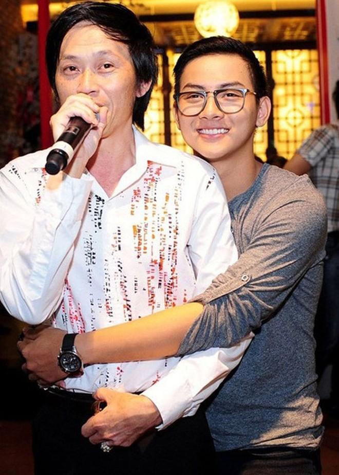 Từng được cưng chiều hết mực nhưng Hoài Lâm lại khiến cả hai nhân vật máu mặt này của showbiz Việt phải thất vọng ê chề - Ảnh 2.