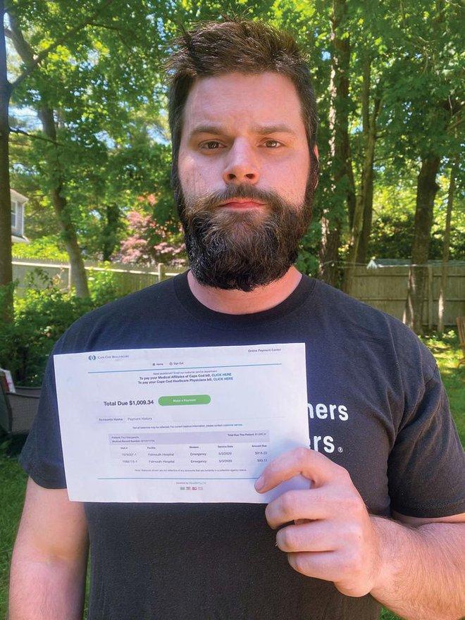 Hảo tâm cứu người gặp nạn, người đàn ông bất ngờ nhận hóa đơn yêu cầu nộp tiền - Ảnh 1.