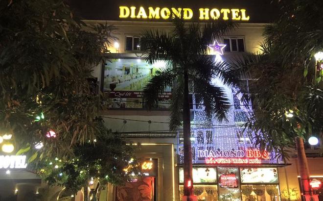Người thân phát hiện chủ khách sạn Diamond Thái Bình treo cổ tại nhà