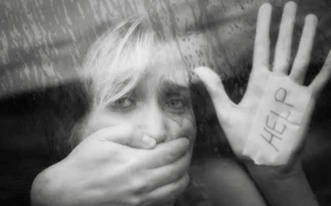 Cãi nhau với con gái vì yêu quá nhiều bạn trai sinh ra 3 đứa trẻ, người mẹ chết lặng khi biết việc làm của chồng mình