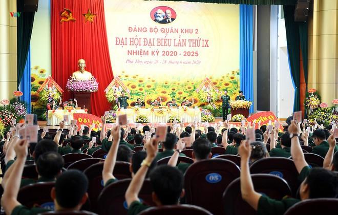 Thiếu tướng Trịnh Văn Quyết giữ chức Bí thư Đảng uỷ Quân khu 2 - Ảnh 3.