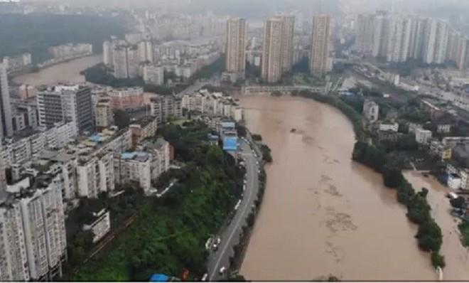 Trung Quốc: Lũ lụt lan rộng 26 tỉnh, đập Tam Hiệp gặp thử thách lớn nhất 17 năm - Ảnh 2.