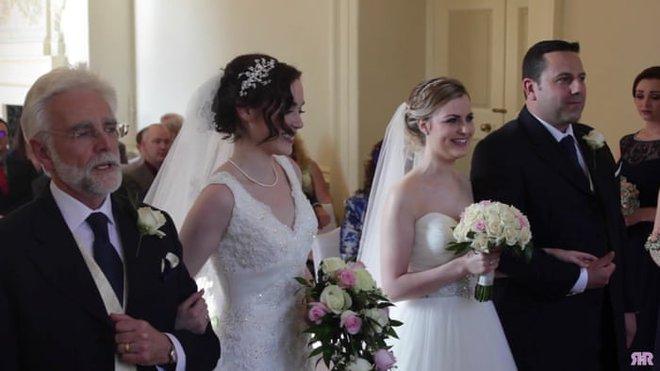 Tình yêu đồng giới của 2 cô nàng xinh đẹp: Từ mối tình thời sinh viên bị gia đình lẫn xã hội thử thách đến hôn nhân viên mãn đáng ghen tị - Ảnh 14.