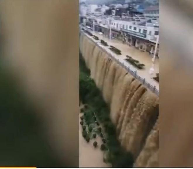 Trung Quốc: Lũ lụt lan rộng 26 tỉnh, đập Tam Hiệp gặp thử thách lớn nhất 17 năm - Ảnh 5.