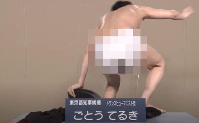 Dân tình chết lặng vì ứng cử viên tranh chức Thống đốc Tokyo lột quần áo trên sóng truyền hình
