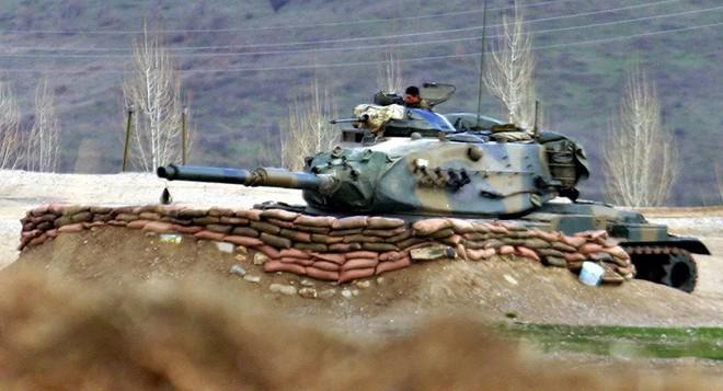 Cựu Thủ tướng Lebanon bị tên lửa không kích hụt - Một loạt mục tiêu ở Syria bị tấn công dồn dập: Kẻ thù giấu mặt là ai? - Ảnh 1.