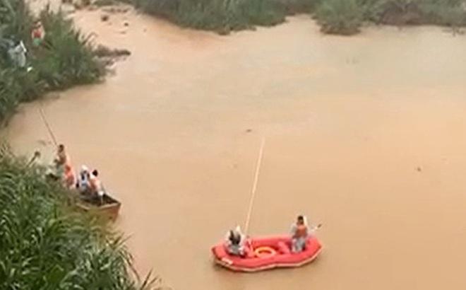 Lâm Đồng: 3 học sinh đuối nước thương tâm khi tắm suối