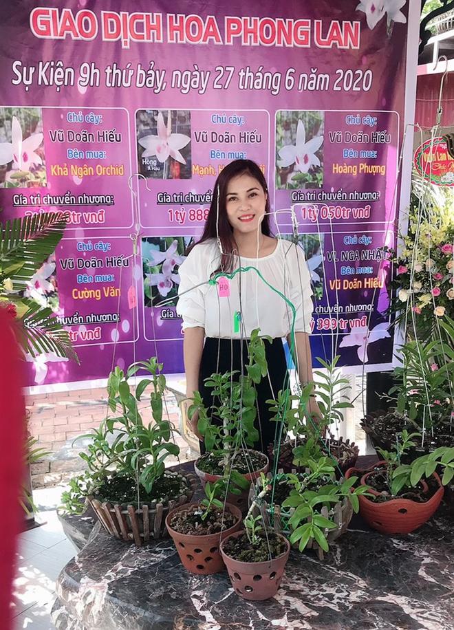 Đam mê Lan đột biến, cô giáo tiểu học Phú Thọ bạo tay chi gần 3 tỷ mua 4 chậu lan Bạch Tuyết và Hiển Oanh 5 cánh trắng về vườn nhà - Ảnh 1.