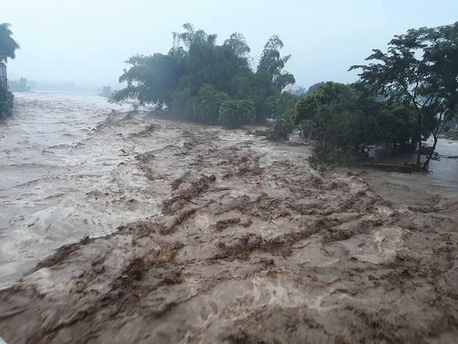 Miền Nam Trung Quốc mưa lớn, sau đó sẽ đến Việt Nam? - Ảnh 1.