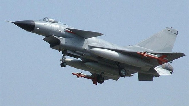 Tình báo Ấn Độ: TQ tập kết hơn 40 tiêm kích ở Kashmir, dường như sẵn sàng phát động tấn công - Ảnh 1.