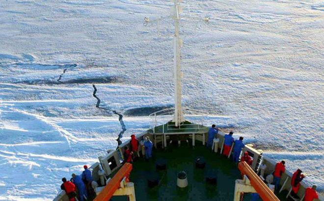 """Mỹ muốn """"lấy lòng"""" NATO để chặn Trung Quốc tại Bắc Cực?"""