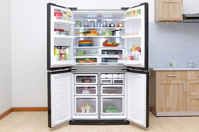 Tủ lạnh dung tích lớn, tiết kiệm điện, giảm giá còn hơn 9 triệu đồng trong ngày nắng nóng - Ảnh 2.