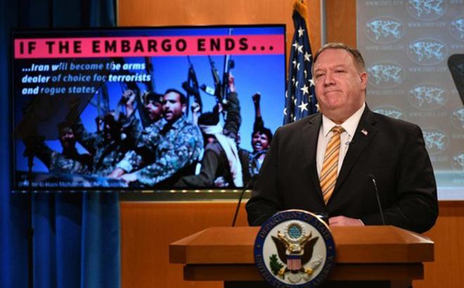 """Nga: Mỹ muốn """"chèn gối lên cổ"""" Iran"""