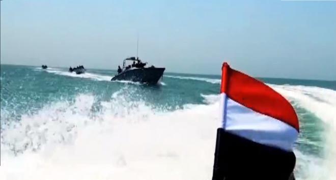 Hàng loạt tiếng nổ lớn rung chuyển Tehran, căn cứ quân sự Iran là mục tiêu - Saudi khai hỏa diệt 2 tàu chiến Houthi - Ảnh 2.