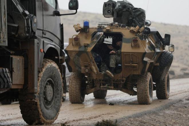 Israel báo động chiến đấu toàn tuyến biên giới, sẵn sàng nghênh chiến đòn sấm sét của Iran - Nổ lớn rung chuyển Tehran, căn cứ quân sự Iran là mục tiêu - Ảnh 1.