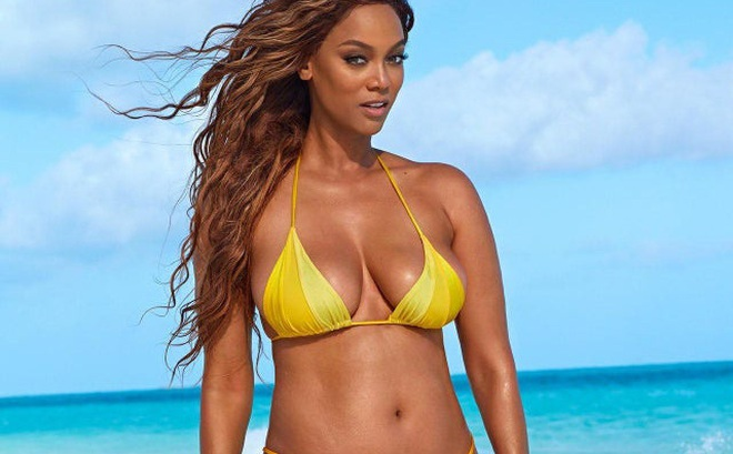 """Tyra Banks: Siêu mẫu """"đẻ trứng vàng"""" của làng thời trang Mỹ và 2 lần được mặc nội y triệu đô"""