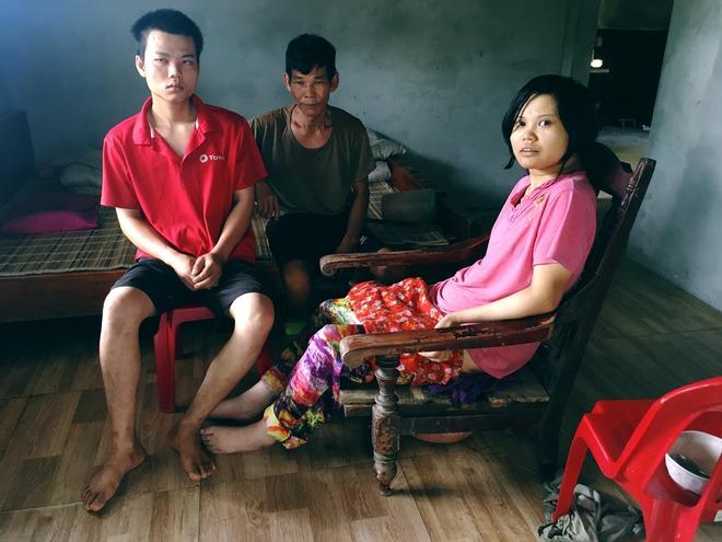 Lão nông phu 60 tuổi gồng gánh nuôi vợ và hai con bị u não - Ảnh 5.