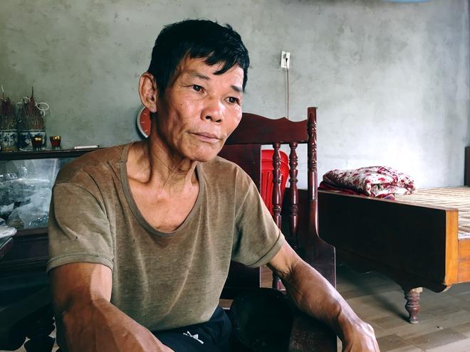 Lão nông phu 60 tuổi gồng gánh nuôi vợ và hai con bị u não - Ảnh 2.