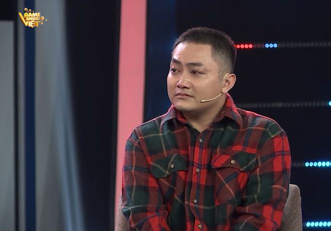 MC Quyền Linh bị Lê Hoàng phản ứng ngay trên sóng truyền hình: Không nên ép người quá đáng - Ảnh 1.