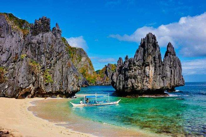 Điều đặc biệt gì khiến hòn đảo này được bình chọn đẹp nhất thế giới? - Ảnh 2.