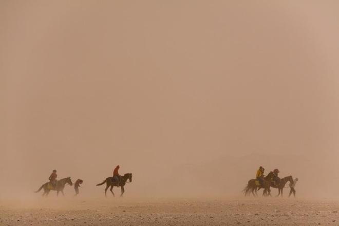 """Bụi sa mạc """"chu du"""" thế giới - Ảnh 1."""