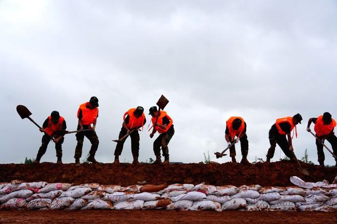 TQ: Cận cảnh cuộc sống của người dân ở nơi xảy ra vỡ đê trên sông Dương Tử - Ảnh 11.