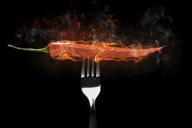 Lỡ ăn ớt quá cay hay bị phỏng ớt, hãy găm ngay các mẹo này để xử lý nhanh nhé! - Ảnh 3.
