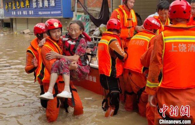 TQ: Cận cảnh cuộc sống của người dân ở nơi xảy ra vỡ đê trên sông Dương Tử - Ảnh 9.