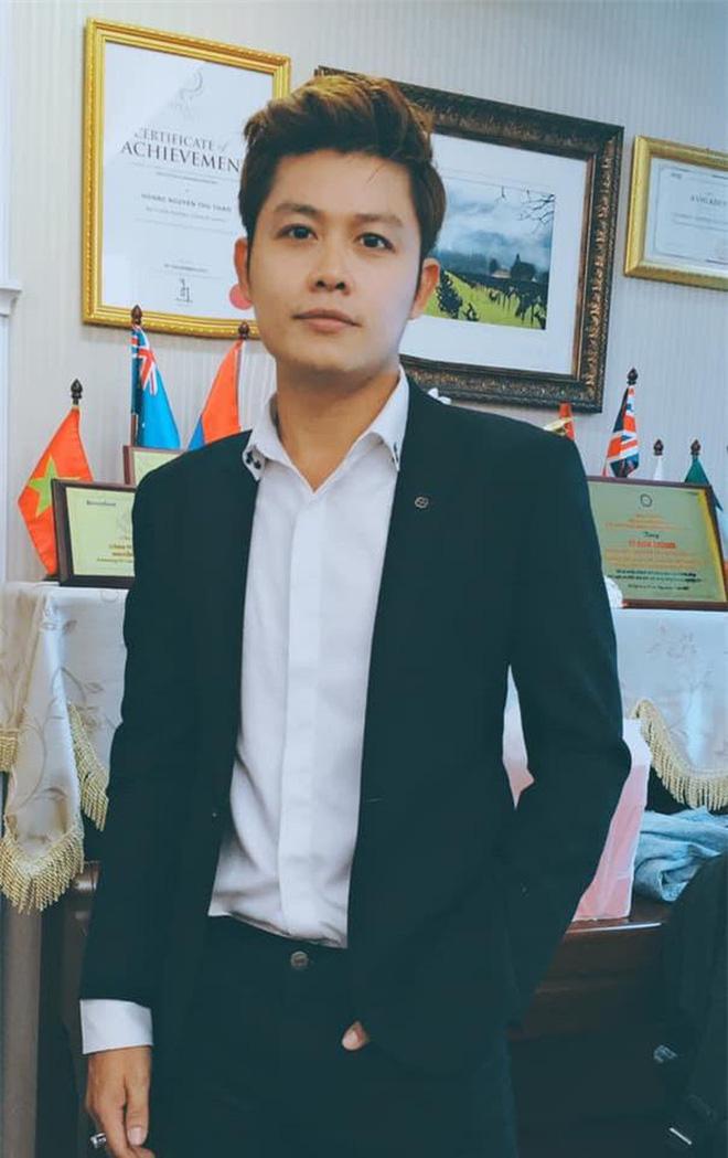 Nguyễn Văn Chung: Tiết lộ thu nhập khủng nhờ tiền tác quyền và chuyện ly hôn ít người biết - Ảnh 4.