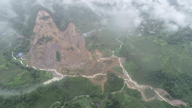 Nước dâng báo động ở 433 sông: Hé lộ át chủ bài giúp Trung Quốc trụ vững trước thảm họa - Ảnh 1.