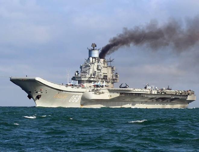 Lộ diện siêu vũ khí trên tàu sân bay mới của Nga: Đánh chặn tên lửa đạn đạo là chuyện nhỏ! - Ảnh 2.