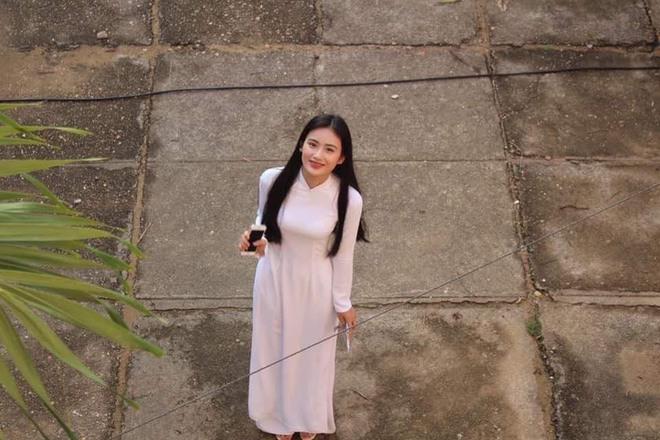 Sở hữu góc nghiêng cực phẩm, nữ sinh Bình Định hút 20.000 lượt yêu thích nhờ bức ảnh rạng rỡ trong lễ bế giảng - Ảnh 5.