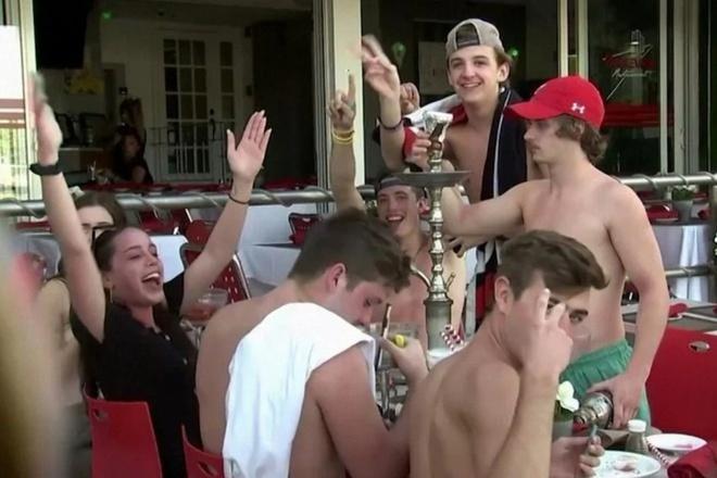 Chàng trai 30 tuổi ở Texas tử vong sau khi tham gia bữa tiệc Covid - Ảnh 2.