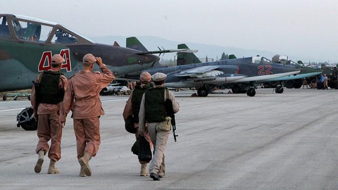 Chiến sự Syria: Nga bất ngờ bơm thêm vũ khí, phiến quân chết như ngả rạ vì tấn công quân đội Syria - Ảnh 3.
