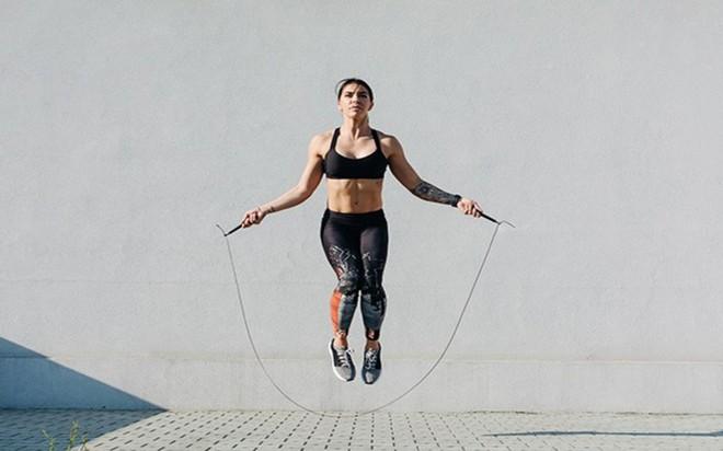 8 tác dụng của việc nhảy dây hàng ngày đối với sức khỏe - Ảnh 3.