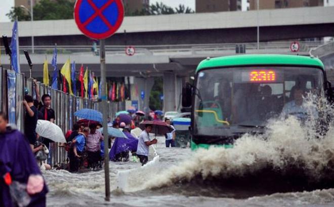 """Trung Quốc: Mực nước ở 33 con sông phá kỷ lục lịch sử, dự báo thời tiết tiếp tục """"u ám"""""""