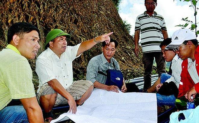 """Ông Bríu Liếc – Bí thư huyện """"đi bộ nhiều nhất Việt Nam"""" xin nghỉ hưu trước 5 tuổi"""