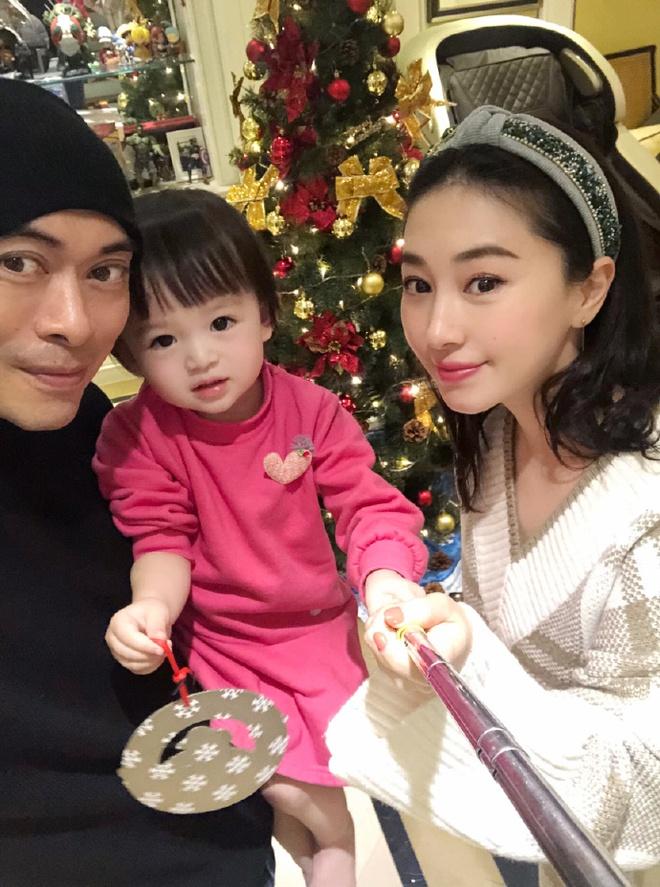 Tài tử Thiên long bát bộ: Bỏ vợ theo tình trẻ, nợ nần chồng chất vẫn sống xa hoa tuổi U50 - Ảnh 5.