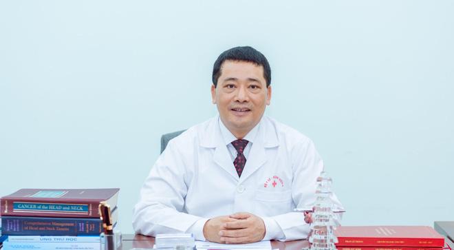 Giám đốc Bệnh viện K Trung ương: Ung thư không phải do quả báo, nghiệp quật - Ảnh 1.