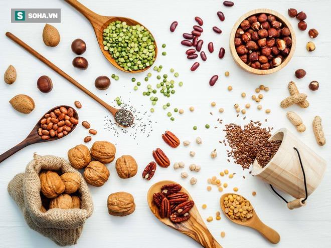 Danh sách đỏ thực phẩm chống viêm và danh sách đen nên tránh: Ăn đúng để không mắc bệnh - Ảnh 2.